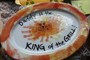 g-king-of-the-grill-handprints